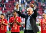 Хайнкес более тренер в возрасте, выиграл в Бундеслиге